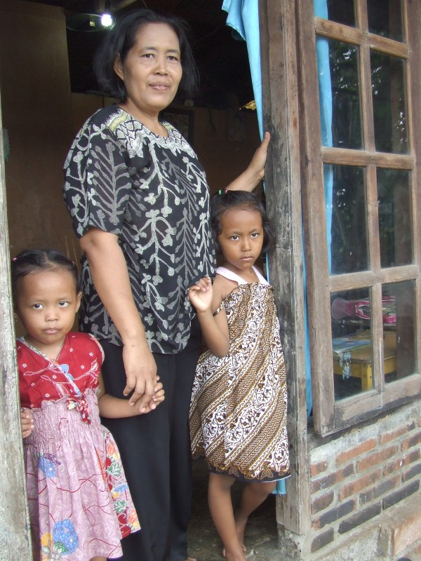 Wartini hopes her children, including Chika, 7, and Andien, 4, will have a better life.