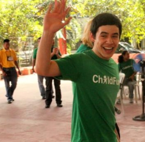David Archuleta waves good-bye