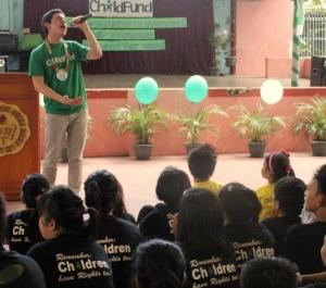 David Archuleta sings for children