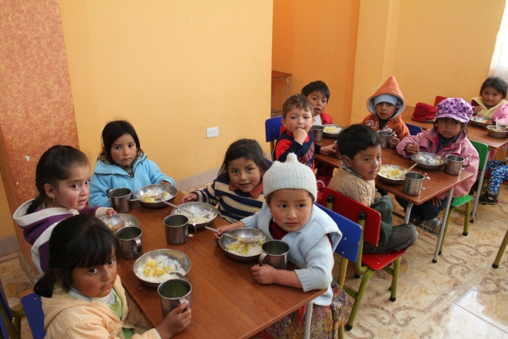 young children eating at preschool